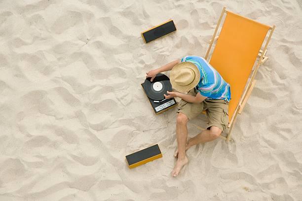 altavoces para tocadiscos en la playa