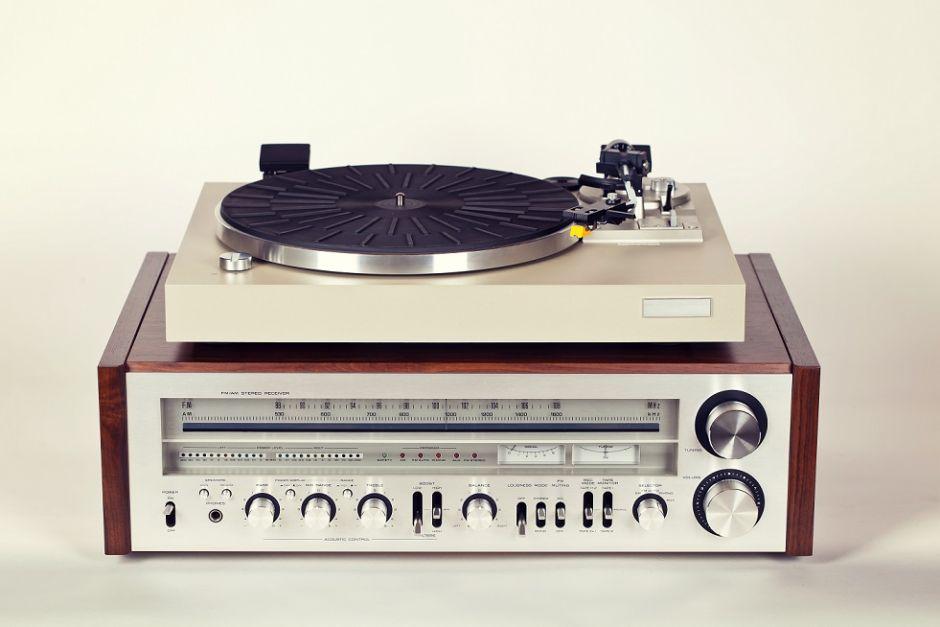 tocadiscos vintage amplificador